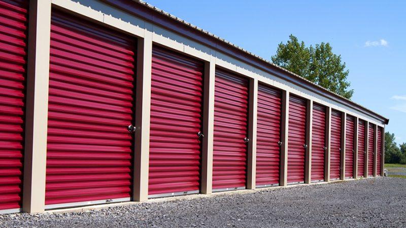 Public Storage Versus Private Storage Facilities