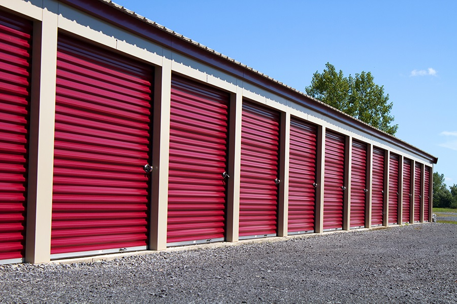 Public Storage Versus Private Storage Facilities