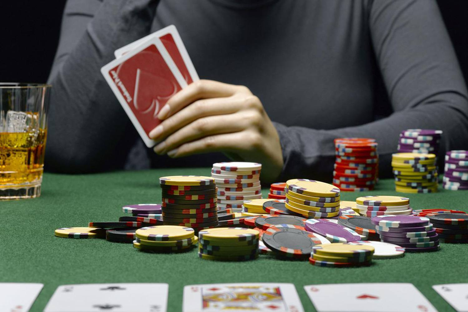 Online poker games – Key for earning money and friends