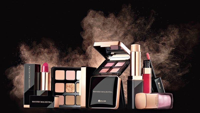 How To Create A Beautiful Eye Makeup By Using The Manish Malhotra Collection