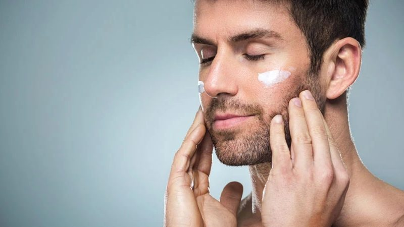 Stay Young with Best Eye Creams!