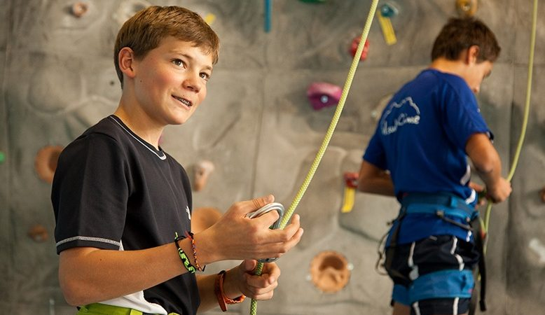 Learn About The Advantages of Climbing