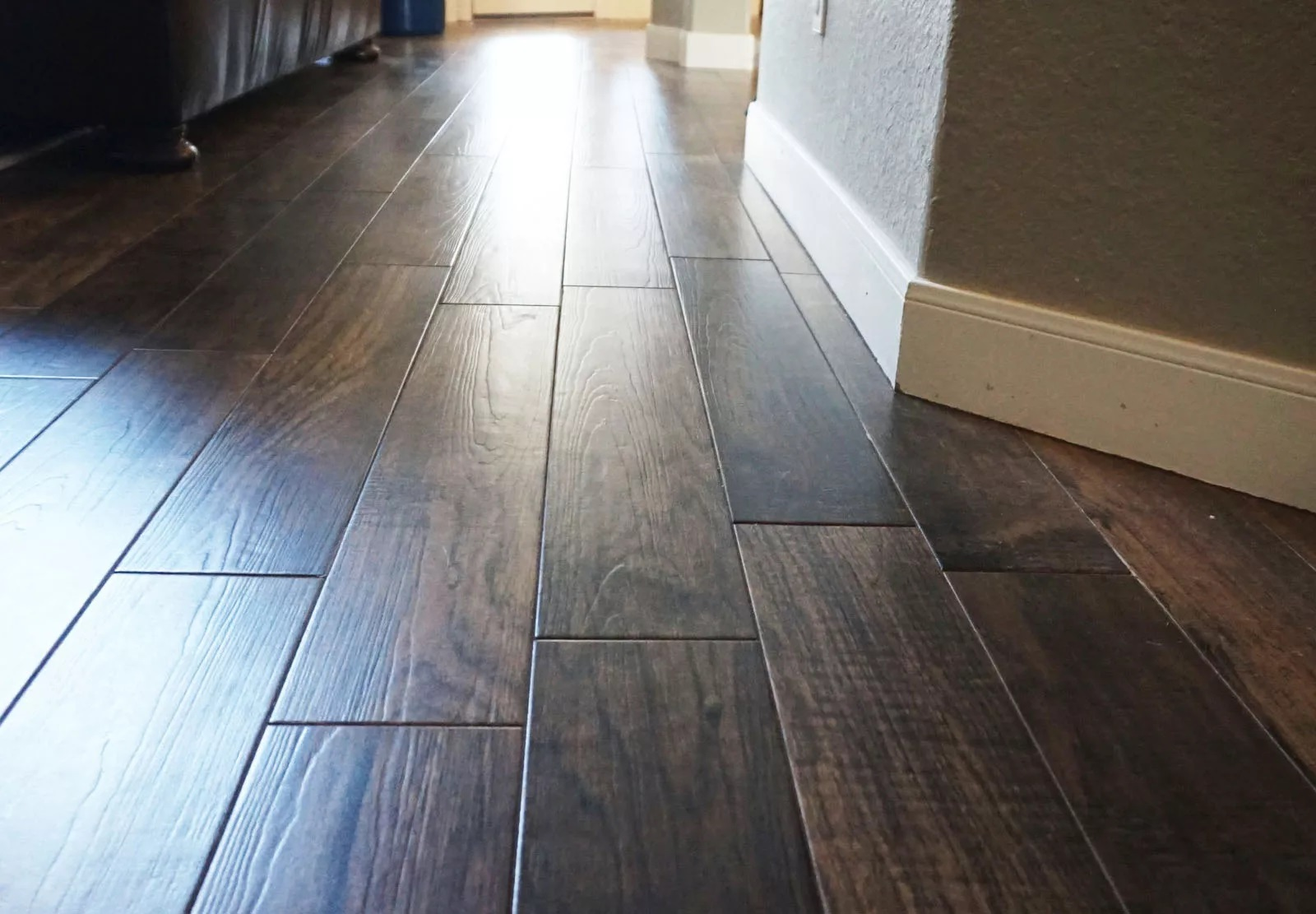 How To Save Money On Flooring With Ceramic Tiles?