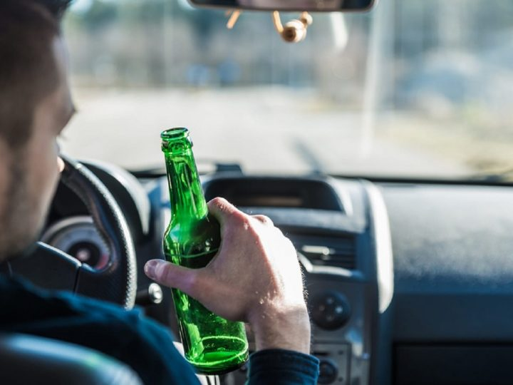 What to Do If A Drunk Driver is Behind You?