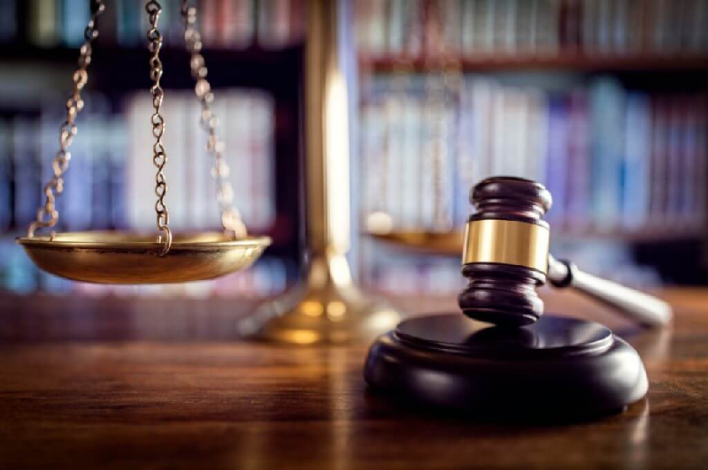 3 Signs You Need to Switch Business Lawyers