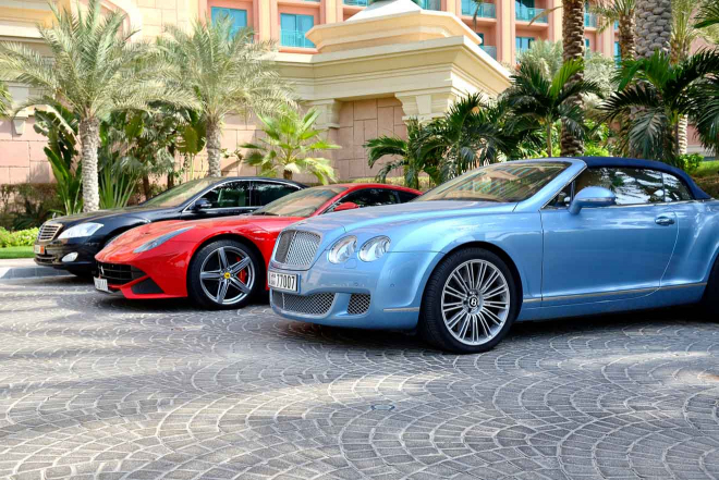 Why Prefer to Hire Best Rent a Car in Dubai Service for Instant Transfers