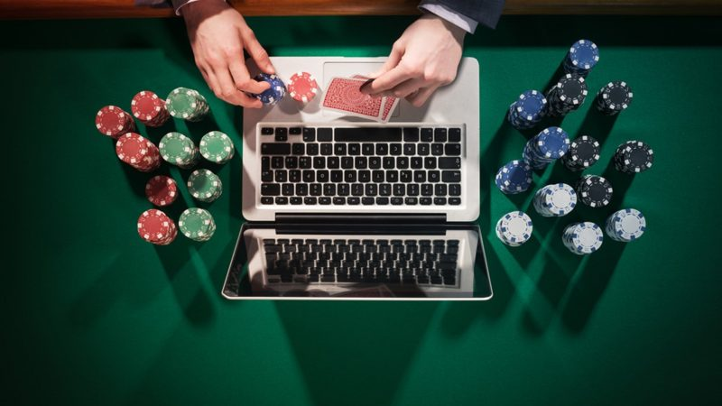 Learn To Play Gambling At Online Casinos