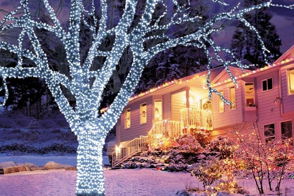 Are Exterior Christmas Lights Safe In the Rain And Snow?