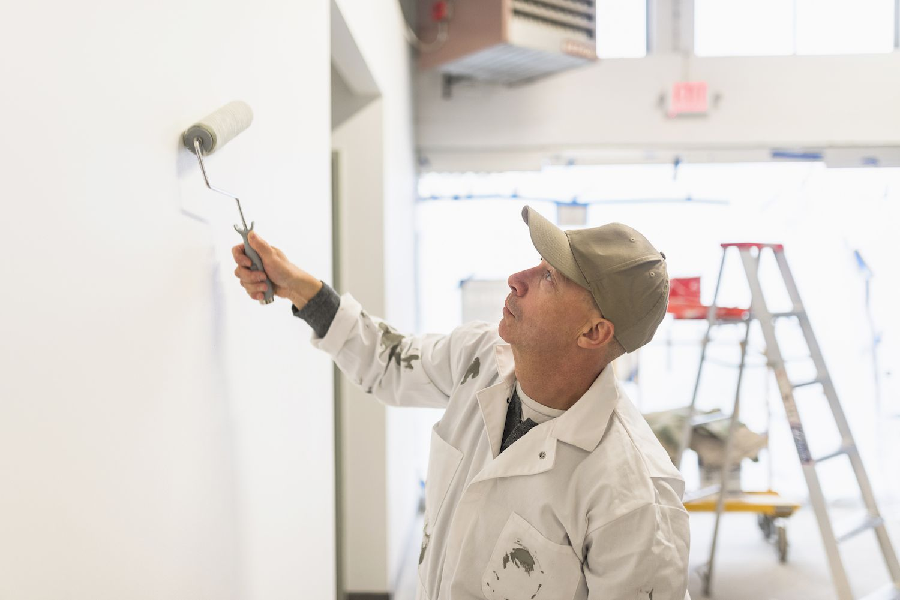 8 Ways to Keep A Commercial Painting Project on Track