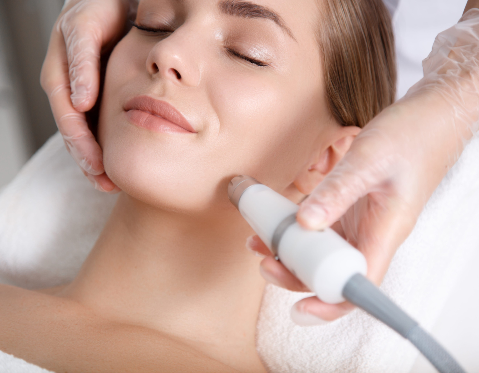 Microdermabrasion and Aesthetics Courses: An Overview
