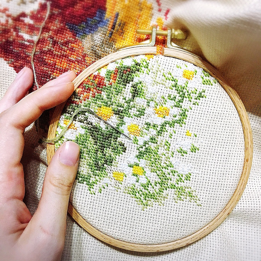 How to Learn How to Cross Stitch the Easy Way