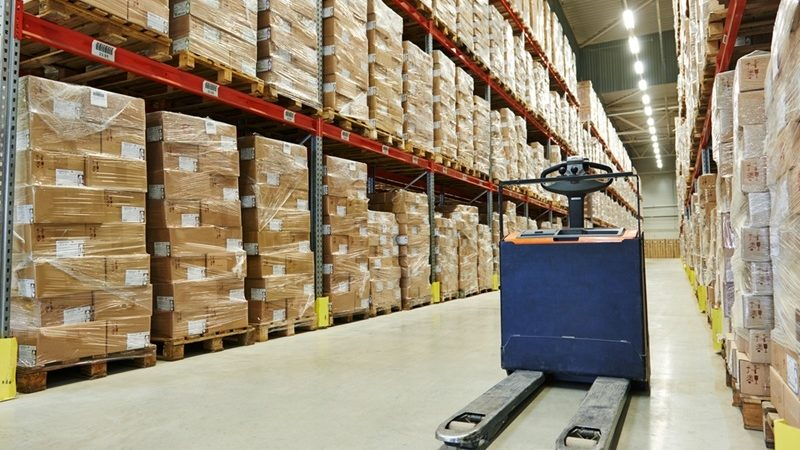 How to Find and Advance Your Career in the Warehouse industry