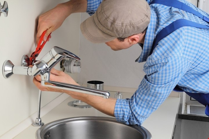 How to find the best plumbing service provider for your new house