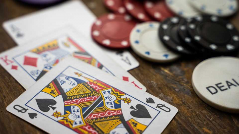 Beginners Guide To Playing Online Poker Safely