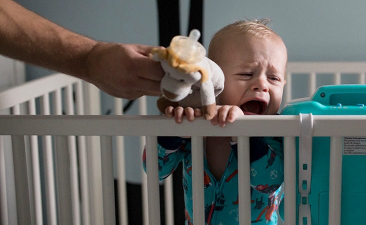 Crib to Bed Tactics to Prepare Toddlers to Sleep Well