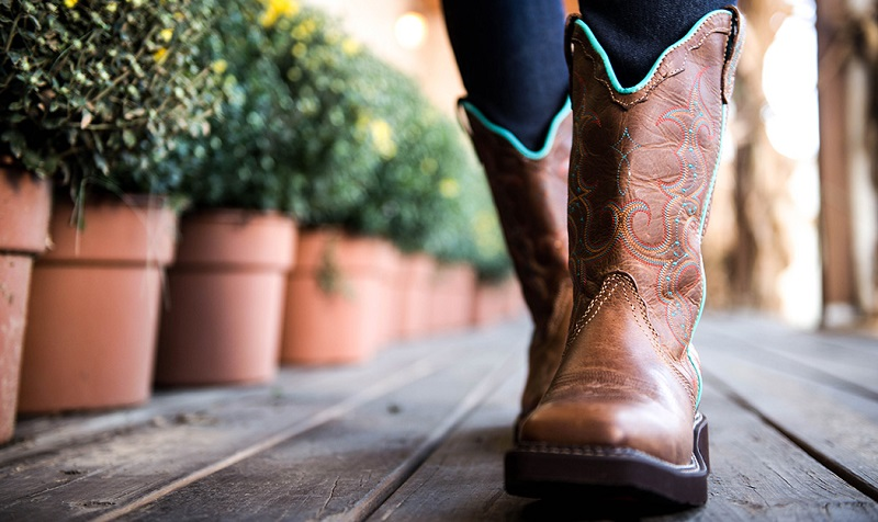 Know the Problems Associated With Cowboy Boots