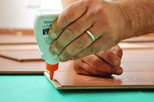 What is a Cyanoacrylate Glue and How is it used?