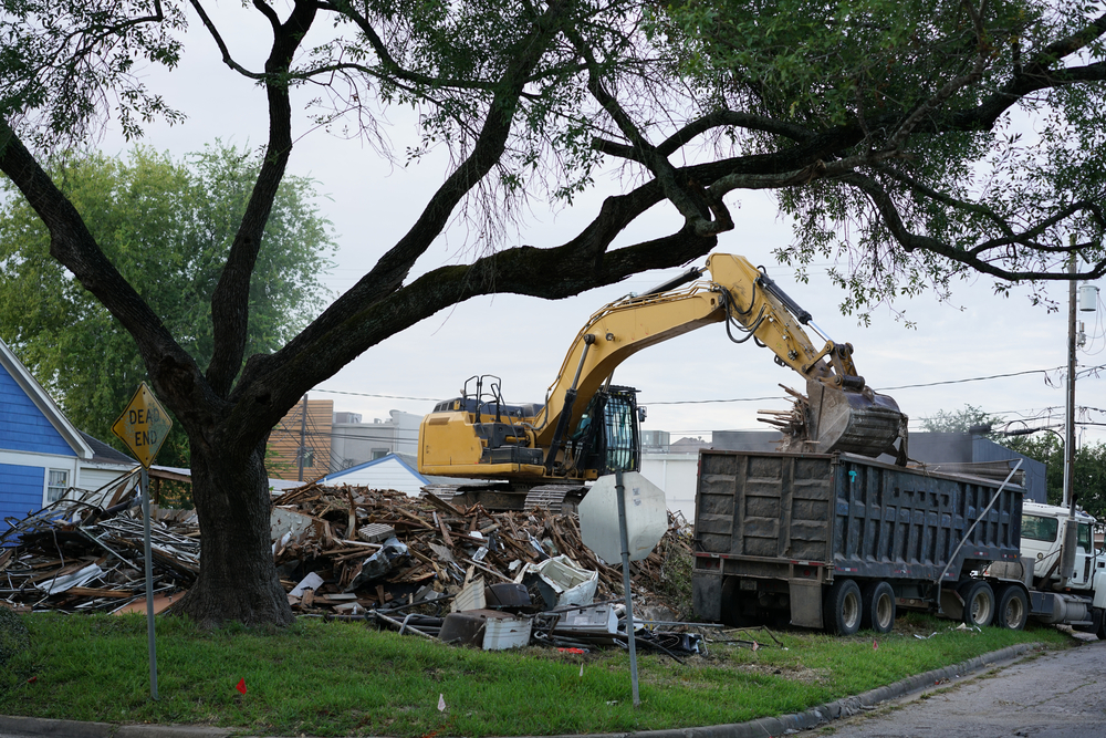 3 Tips for Handling Difficult Cleanup After a Disaster