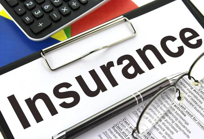 Term Life Insurance vs Endowment Plans: Which one Should I Opt for?