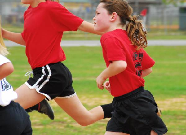 8 Ways To Boost The Team Spirits Of Young Athletes Playing Team Sports