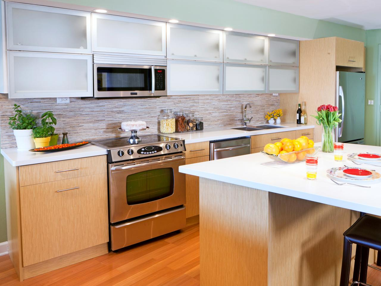 Custom Made Kitchen Cabinets Make the Difference