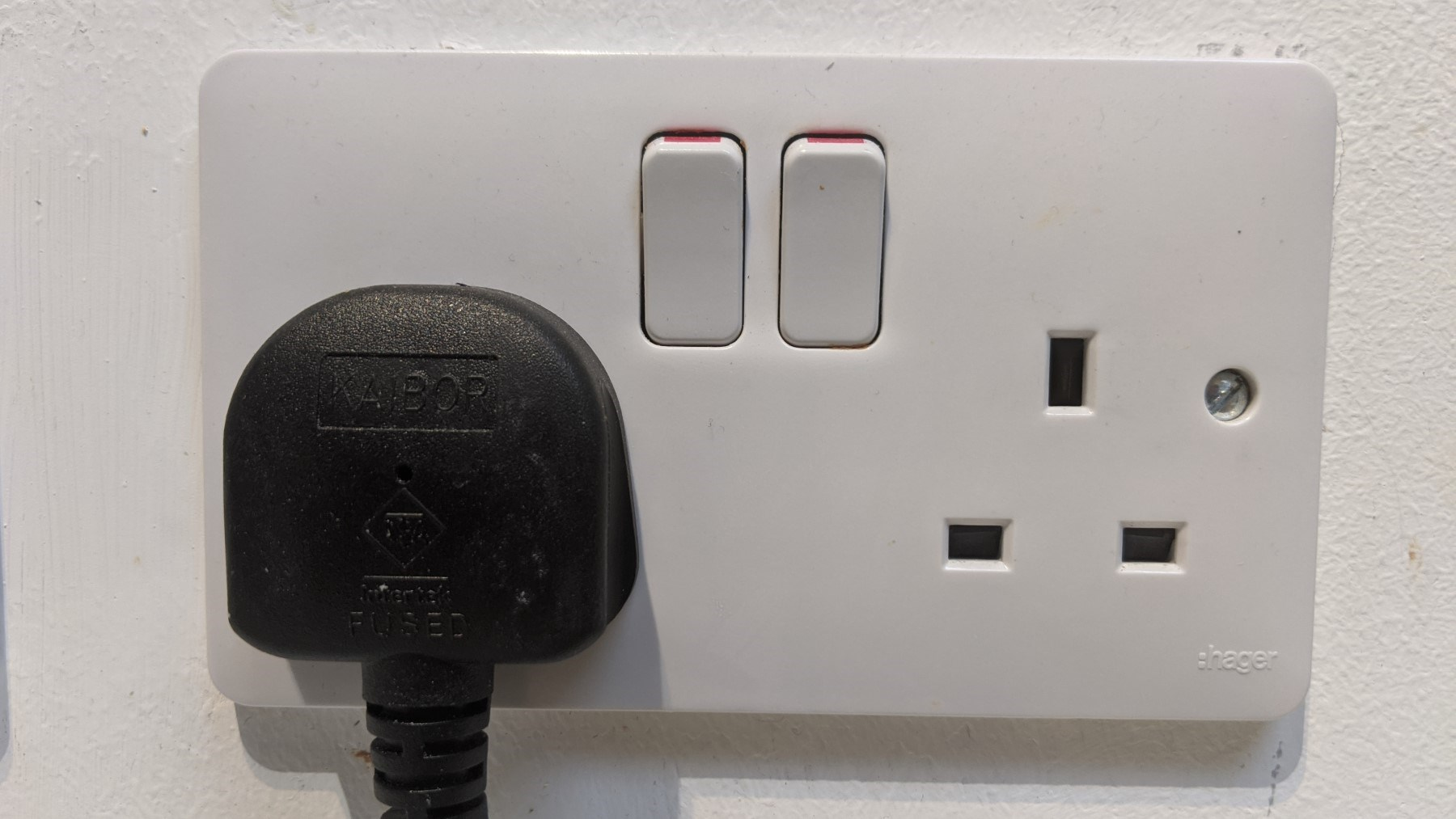 What are the Benefits of Using the Multi Pin Plug Sockets?