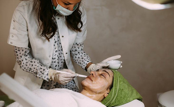 How to Find the Right Dermatology Clinic for You