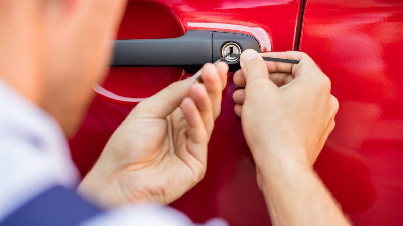 Hire Locksmiths – Keep Your Home And Vehicle Safe!