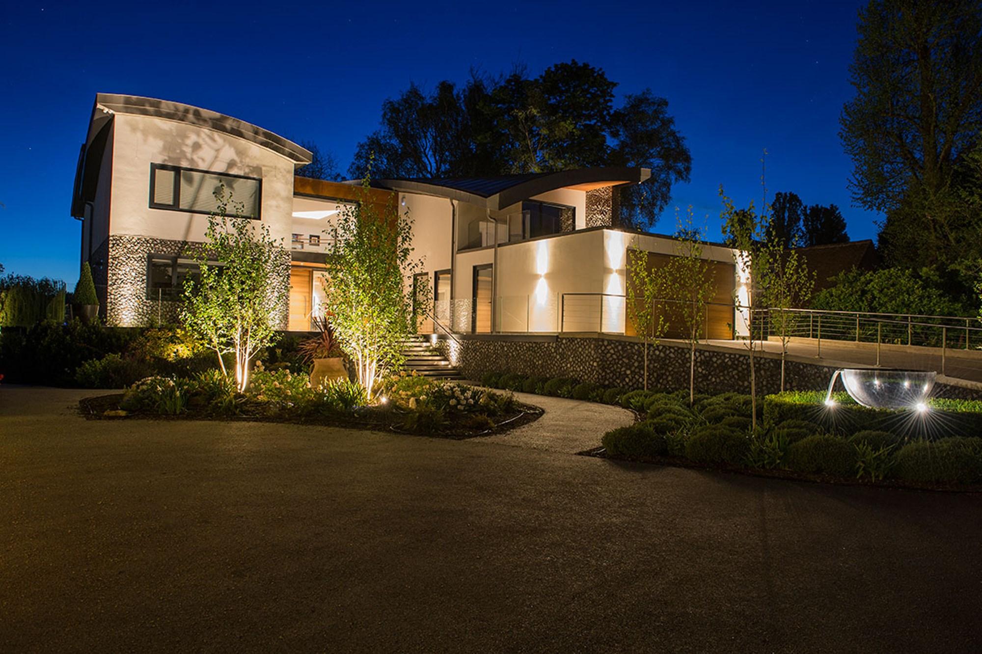 Expert Installation Techniques for Landscape Lighting