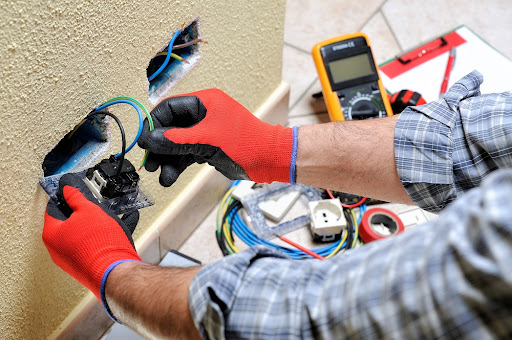 What Points to Consider While Choosing Electrical Services?